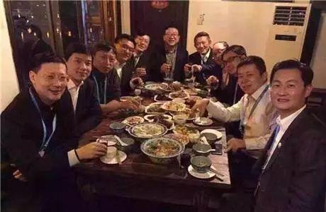 【饭局酒桌攻心术】24个交谈小技巧,成为高情商、会聊天的人-第7张图片-爱课啦