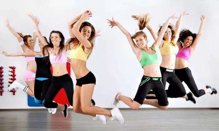 快乐速瘦Zumba舞:巨燃脂/轻松甩肉/跳出性感/散发自信魅力-第22张图片-爱课啦
